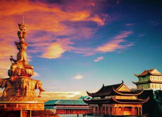 เขาเอ่อเหมยซาน, เขาง้อไบ๊, มณฑลเสฉวน, 四川省, 峨眉山, ท่องเที่ยวจีน, สถานที่ท่องท่องเที่ยวในประเทศจีน, ประเทศจีน, วัดเป้ากว๋อ, พระโพธิสัตว์ผู่เสียน