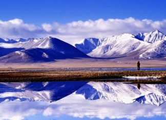 ทะเลสาบแห่งสวรรค์, น่ามู่ชั่ว, เขตปกครองตนเองทิเบต, ท่องเที่ยวจีน, สถานที่ท่องเที่ยวในประเทศจีน, 纳木错, 西藏, หินประกบฝ่ามือ, หินต้อนรับ, ถั่งเช่า, บัวหิมะ, ทะเลสาบน่ามู่ชั่ว