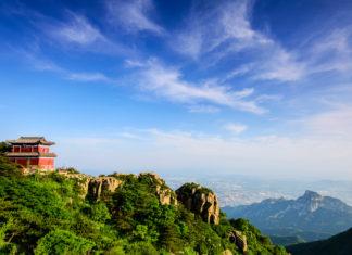 เขาไท่ซาน, ภูเขาไท่ซาน, 泰山, มณฑลซานตง, 山东省, ท่องเที่ยวจีน, สถานที่ท่องเที่ยวในประเทศจีน, เมืองไท่อัน, 泰安市, วัดไต้, วัดไท่